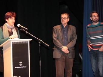 La xerrada es va fer ahir al Teatre Municipal de Roses arran del terratrèmol del 29 d'octubre. A la imatge, Mindan, Goula i Macau. Foto:JOAN SABATER