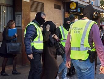 LA Guàrdia Civil en una operació del 4 de novembre a Cornellà on van detenir també suposats gihadistes Foto:EFE