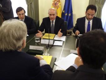 Jorge Fernández Díaz , ministre espanyol de l'Interior, durant la reunió del pacte contra el terrorisme gihadista JAVIER LIZÓN / EP