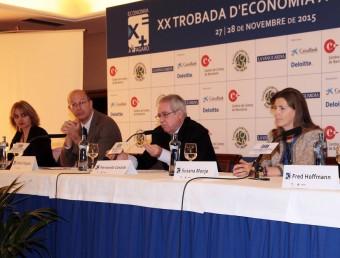 Alguns dels ponents d'ahir, entre ells, Rosa Tous (esquerra), Pablo Vázquez, Fernando Casado i Susana Monje Foto:JOAN SABATER