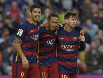 Luis Suárez, Neymar i Messi van tornar a marcar els tres i a somriure. Neymar no va deixar de buscar Messi fins que l'argentí va marcar Foto:EFE