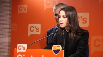 Els diputats de Cs Inés Arrimadas i Carlos Carrizosa, a la roda de premsa d'aquest dilluns Foto:ACN