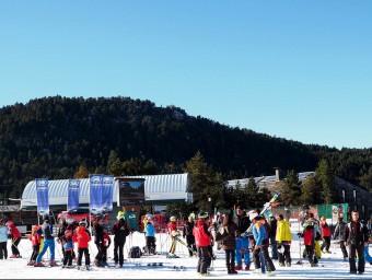 Esquiadors a la Masella en el primer cap de setmana de la temporada d'esquí Foto:EL PUNT AVUI