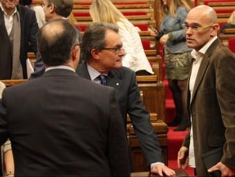 Raül Romeva parla amb Artur Mas i Oriol Junqueras al Parlament Foto:ACN