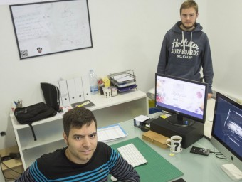 Garriga, assegut, i Bosch, al seu despatx del centre Foto:J. CASTRO / ICONNA