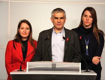 Carlos Carrizosa, Sònia Sierra i Laura Vílchez, durant la roda de premsa d'aquest dimarts al Parlament Foto:ACN