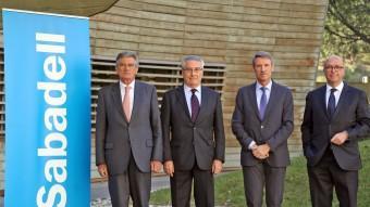 Els convidats a la conversa , d'esquerra a dreta, Lluís Marsà, Joaquim Llansó, Francisco Pérez Medina i Ferran Cirera. Hi faltava el professor Bernados, que es va incorporar més tard Foto:J. RAMOS