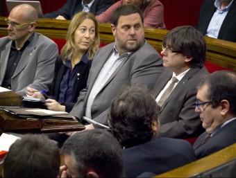 La bancada del govern, en l'última sessió del Parlament de Catalunya Foto:QUIQUE GARCÍA / EFE
