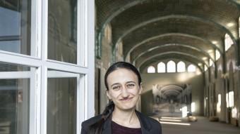 La investigadora Ana Mosneaga, al recinte modernista de l'Hospital de Sant Pau, a Barcelona, on ha estat convidada per la UNU-GCM Foto:JOSEP LOSADA