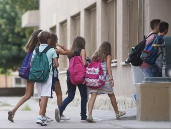 Els educadors socials fan tasques complementàries a la dels professors Foto:ORIOL DURAN