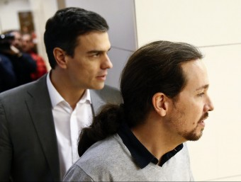 Pedro Sánchez i Pablo Iglesias durant la reunió que van mantenir divendres passat al Congrés Foto:REUTERS