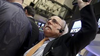 Un broker a la borsa de Nova York aquest dilluns Foto:REUTERS