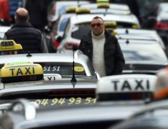 Protesta de taxistes marsellesos a final de gener, descontents per la competència d'Uber, que consideren deslleial, ANNE-CHRISTINE POUJOULAT / AFP