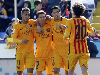 Neymar, Messi, Sergi Roberto i Suárez, celebrant el gol de l'uruguaià Foto:EFE