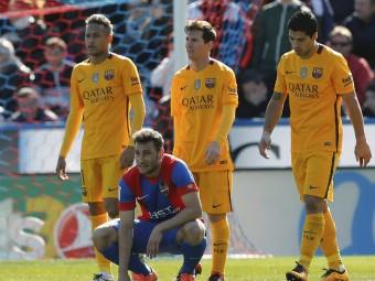 El trident no va tenir ahir segurament el millor dia, però el Barça es va valer de fortuna i d'ofici Foto:EFE