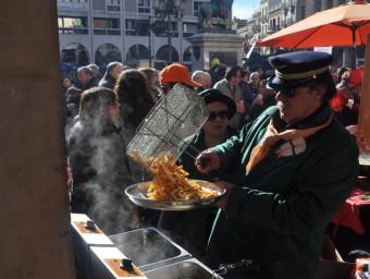 L'Expo -Profit va omplir ahir de gom a gom la plaça de Prim de Reus Foto:SERGI JIMÉNEZ