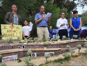 Imatge del setembre de 2014, quan es va fer una mostra de suport al nou Bulli, a la cala Montjoi. Foto:LLUÍS SERRAT