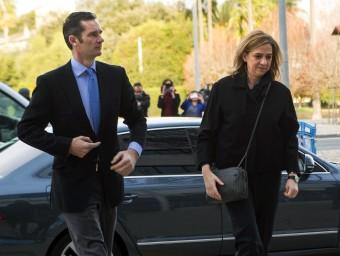 Iñaki Urdangarin i la infanta Cristina, arribant ahir a l'Audiència de Palma EFE / CATI CLADERA