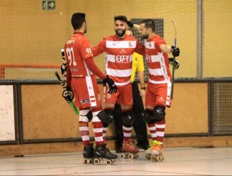 Els gironins celebren un gol en el derbi contra el Palafrugell Foto:JOAN SABATER