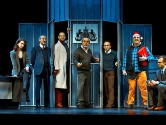 Una imatge amb tots els personatges d''El invernadero' , a escena. Foto:ROS RIBAS