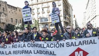 Treballadors del metro durant la manifestació del passat dia 2 coincidint amb una jornada de vaga parcial Foto:J.L