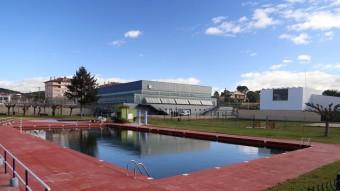 La piscina descoberta de Cassà de la Selva, es renovarà perquè ja no podria estar en servei aquest estiu Foto:MANEL LLADÓ