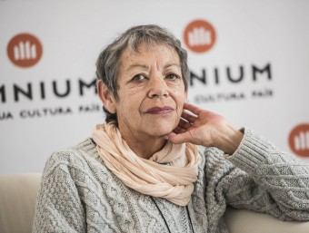 Maria-Antònia Oliver, ahir, a la seu d'Òmnium Cultural Foto:JOSEP LOSADA