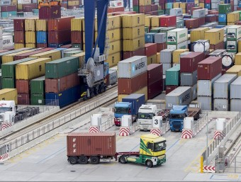 Terminal de contenidors BEST, al Port de Barcelona Foto:A. SALAMÉ / ARXIU