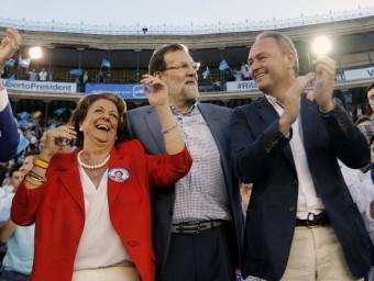 El president del PP, Mariano Rajoy, en el míting de les eleccions autonòmiques de maig del 2015, junt amb Rita Barberá i Alberto Fabra Foto:AGÈNCIES