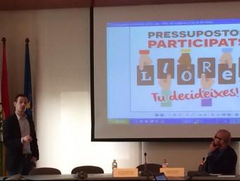 El regidor de Participació, Josep Lluís Llirinós, i l'alcalde, Jaume Dulsat, ahir Foto:EL PUNT AVUI