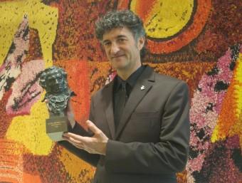 Patxi Uriz amb el seu Goya fotografiat ahir a Pineda Foto:T.M
