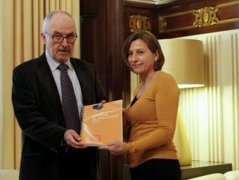 El Síndic va lliurar l'informe del 2015 a la presidenta del Parlament, Carme Forcadell Foto:EFE