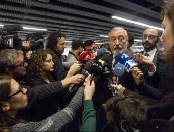 El secretari d'Estat d'Infraestructures, Julio Gómez-Pomar, aquest divendres en una atenció als mitjans després de la inauguració de la L9 Sud Foto:EFE