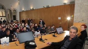 Puyal va omplir la sala de graus de la UdG en el primer acte de la Setmana dels Rahola. Foto:JOAN SABATER