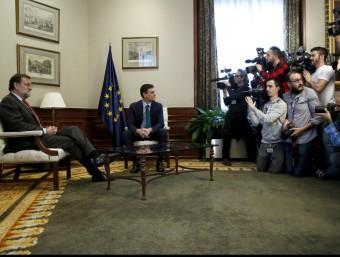 El president del govern espanyol en funcions, Mariano Rajoy, i el líder del PSOE, Pedro Sánchez, aquest divendres al Congrés dels Diputats Foto:EFE