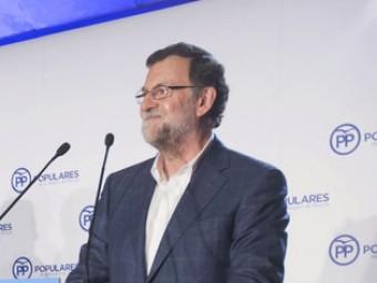 Mariano Rajoy és ovacionat durant la seva intervenció d'ahir davant la junta directiva regional del PP de Múrcia Foto:MARCIAL GUILLÉN / EFE
