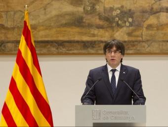 El president del Govern, Carles Puigdemont, a la sala Torres Garcia del Palau de la Generalitat Foto:EFE