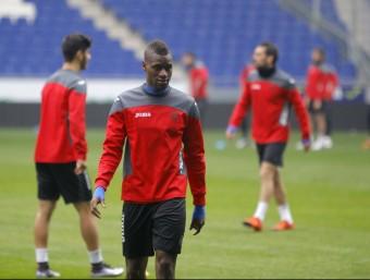 Mamadou en un entrenament d'aquesta temporada a l'estadi de Cornellà i El Prat Foto:F.C