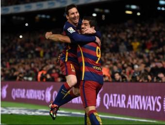 Leo Messi i Luis Suárez celebren un dels gols del Barça  Foto:AFP