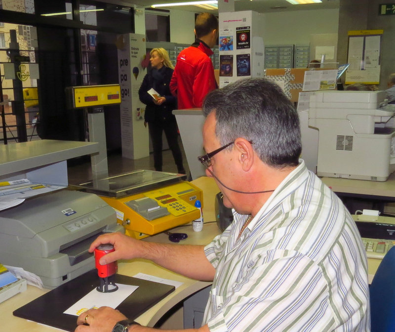 Correus de blanes ja t mata segells tur stic redacci for Oficina de treball blanes