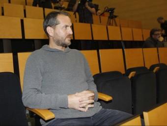 Òscar Perarnau assistint a una roda de premsa a l'estadi de Cornellà Foto:FERRAN CASALS
