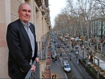 Timothy J. Kehoe en un balcó de la Rambla de Barcelona.  Foto:JUANMA RAMOS