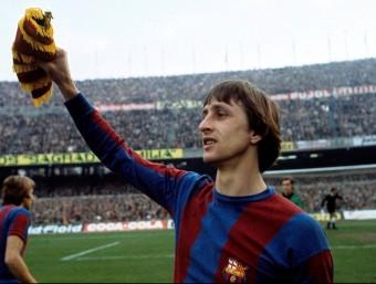 Innovem quan trenquem els esquemes que empresonen una realitat com fa fer Johan Cruyff.  Foto:ARXIU