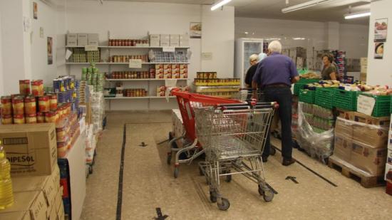 El centre de distribució d'aliments de Roses és obert dos dies a la setmana Foto:EPA