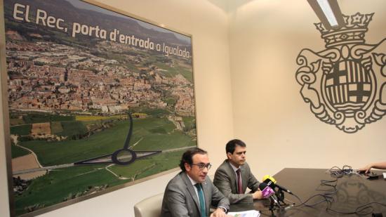 El conseller Josep Rull i l'alcalde d'Igualada, Marc Castells, van anunciar ahir els primers tràmits del nou vial Foto:ÒSCAR LÓPEZ