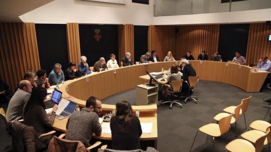 Tots els regidors per unanimitat van votar a favor de la moció sobre la C-32. Foto:QUIM PUIG