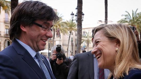 El president Puigdemont va visitar divendres Vilanova, on va ser rebut per la seva alcaldessa, Neus Lloveras Foto:J. BEDMAR