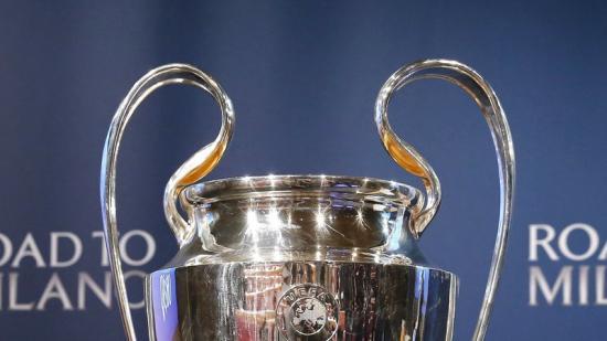 El trofeu que s'emportarà el vencedor de la Lliga de Campions. Foto:REUTERS