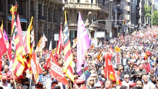 La manifestació baixant per la Via Laietana Foto:Andreu Puig
