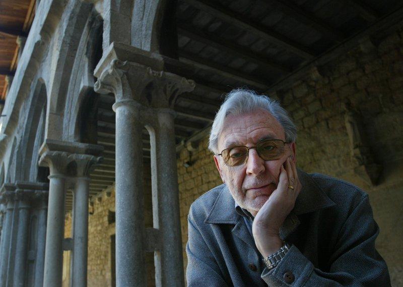 Narcís-Jordi Aragó al claustre de la Facultat de Lletres, el 2007, quan va rebre la distinció al mèrit cultural de la Universitat de Girona.